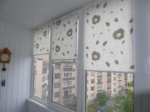 Установка рулонных штор на пластиковые окна в Пушкино